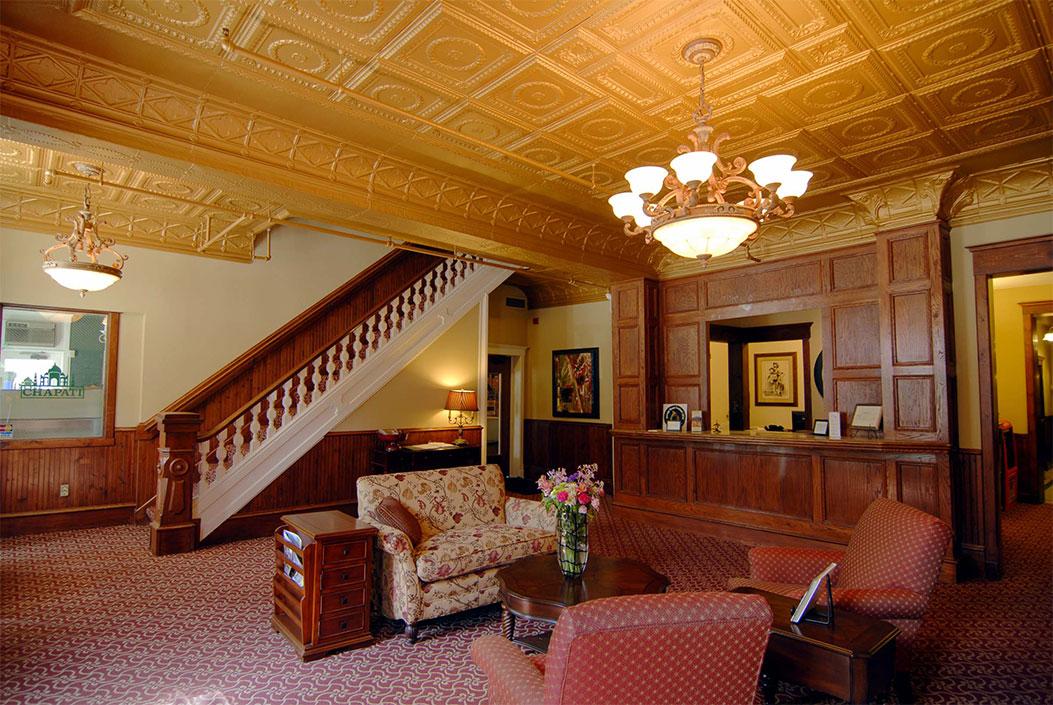 Archer House lobby